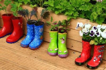 How to Make DIY Recycle Materials to be Awesome Garden Decorations