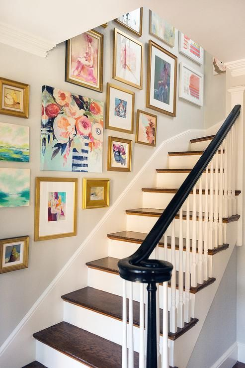 40 Ways To Decorate Your Staircase Wall 2017