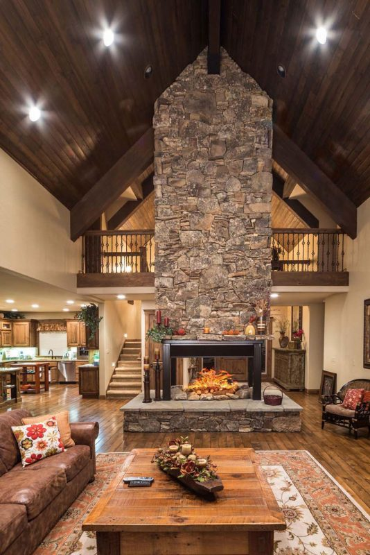 Gorgeous free-standing fireplace in Sunriver, Oregon | Home fireplace,  Metal building homes, Building a house