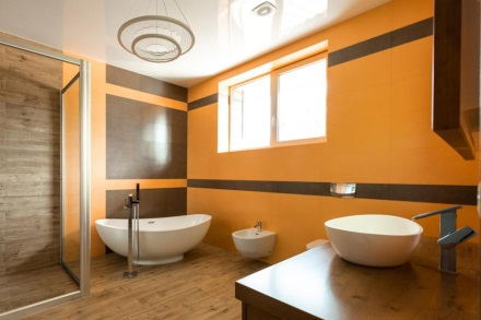 https://cf.nearsay.com/sites/default/files/styles/1200x628/public/content_images/ct-modern-bathroom-interior.jpg?itok=FRNF6aIN