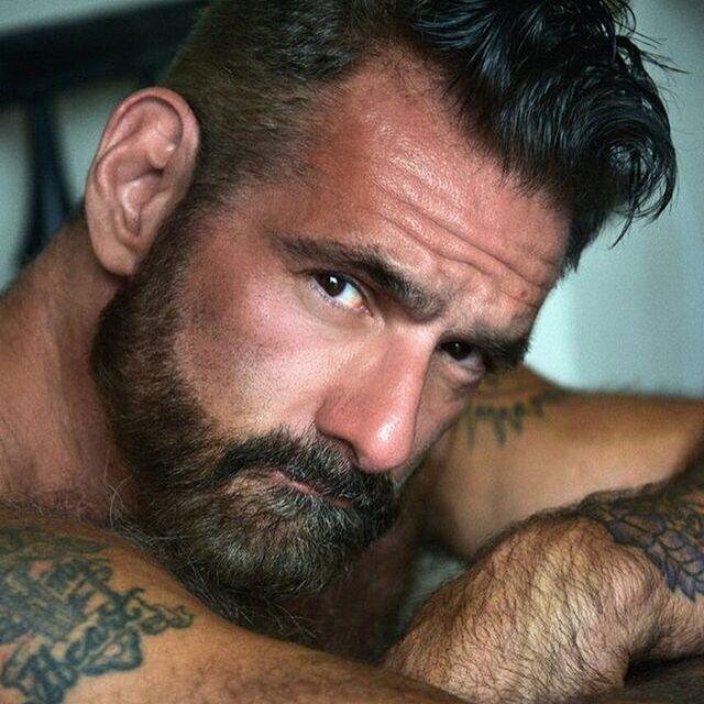 40+ gay model Anthony Vareechina