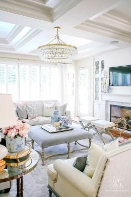 Afordable Livingroom Summer Decoration 16