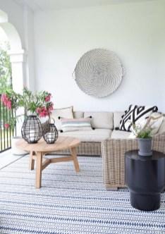 Afordable Livingroom Summer Decoration 22