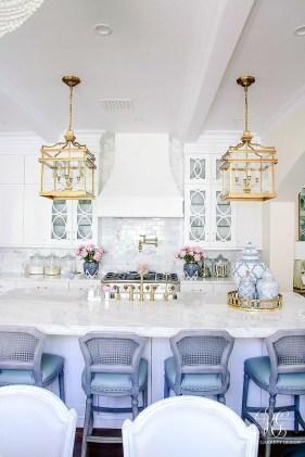 Afordable Livingroom Summer Decoration 33