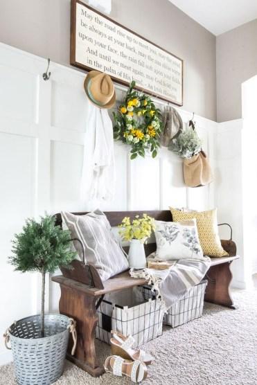 Afordable Livingroom Summer Decoration 37