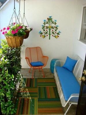 Afordable Summer Balcony Decoration 19