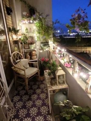 Afordable Summer Balcony Decoration 20