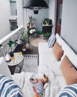 Afordable Summer Balcony Decoration 27