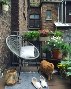 Afordable Summer Balcony Decoration 29