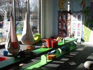 Amazing Relaxable Indoor Swing Chair Design Ideas 01