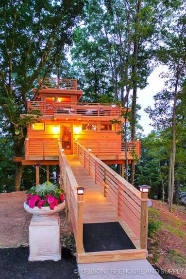 Awesome Treehouse Masters Design Ideas Will Make Dream 30