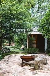 Fantastic Rustic Garden Light Landscaping Ideas 34
