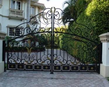 Inspiring Modern Home Gates Design Ideas 06