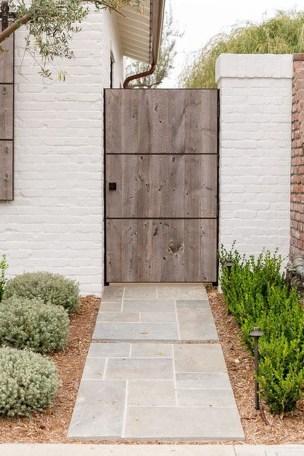 Inspiring Modern Home Gates Design Ideas 21
