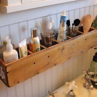 Inspiring Rustic Small Bathroom Wood Decor Design 09