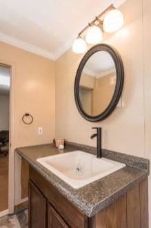 Inspiring Rustic Small Bathroom Wood Decor Design 15