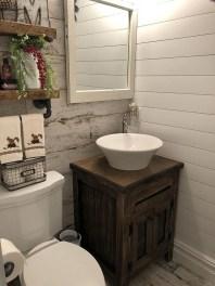Inspiring Rustic Small Bathroom Wood Decor Design 19