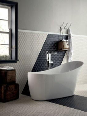 Inspiring Rustic Small Bathroom Wood Decor Design 25