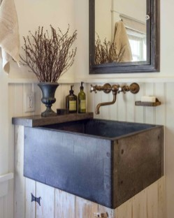 Inspiring Rustic Small Bathroom Wood Decor Design 29