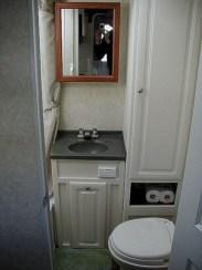 Amazing Small Rv Bathroom Toilet Remodel Ideas 29