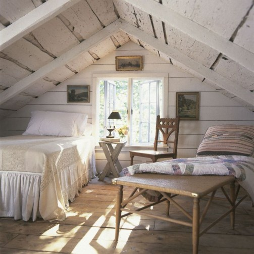 Awesome Traditional Attic You Can Try31