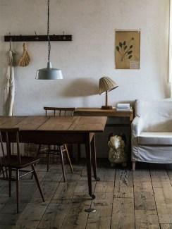 Inspiring Rustic Wooden Floor Living Room Design25