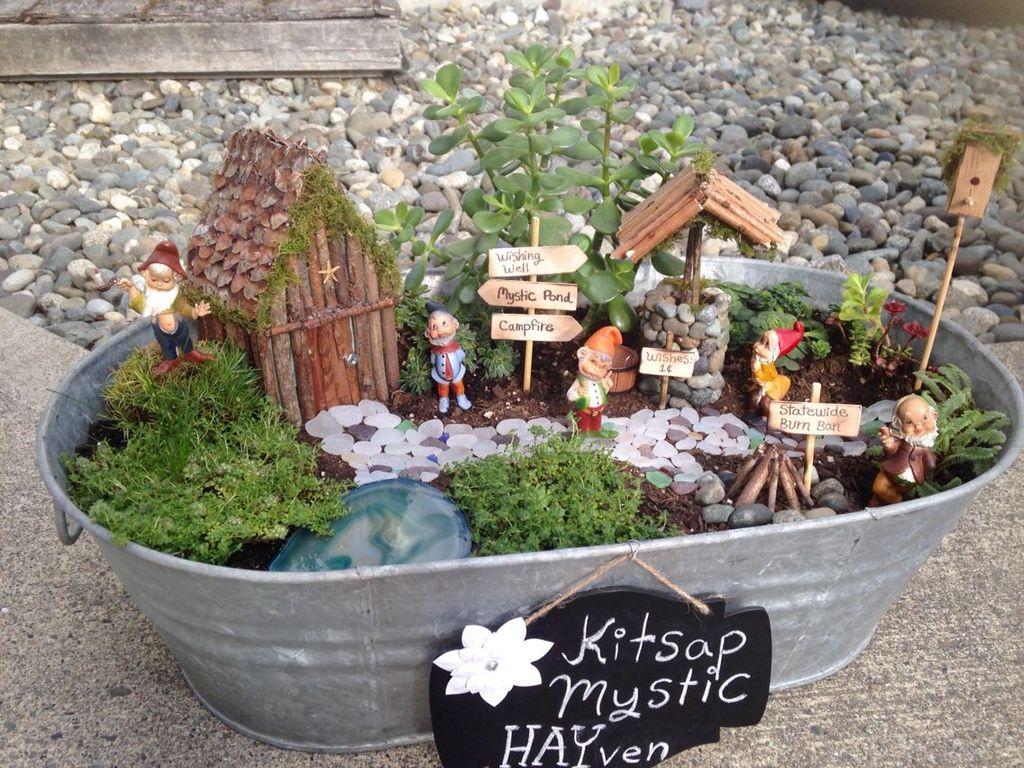 Stunning Fairy Garden Miniatures Project Ideas27