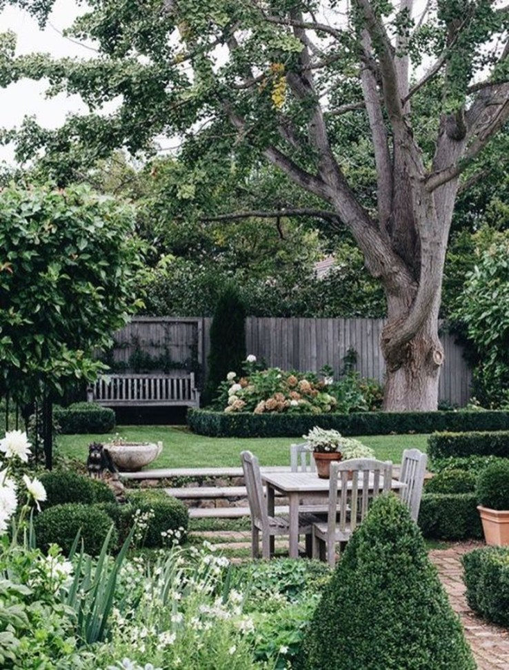 Amazing Big Tree Landscaping Ideas21