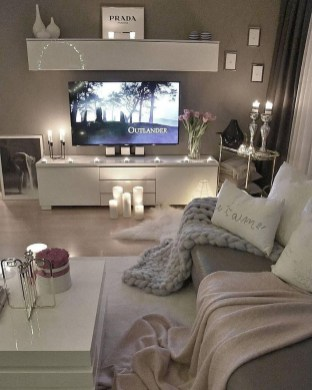 Amazing Small Apartment Living Room 17