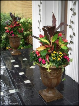 Awesome Front Door Planter Ideas08
