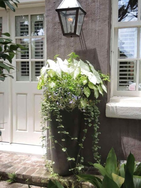 Awesome Front Door Planter Ideas36