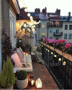 Awesome Small Balcony Garden Ideas04