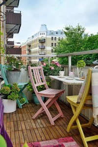 Awesome Small Balcony Garden Ideas10