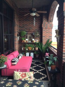 Awesome Small Balcony Garden Ideas12