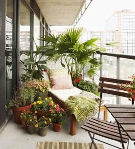 Awesome Small Balcony Garden Ideas13