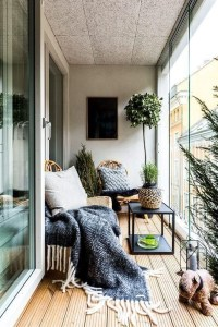 Awesome Small Balcony Garden Ideas27