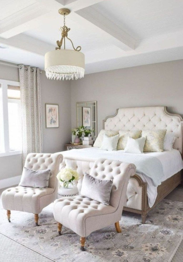 Elegant White Themed Bedroom Ideas04