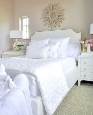 Elegant White Themed Bedroom Ideas07