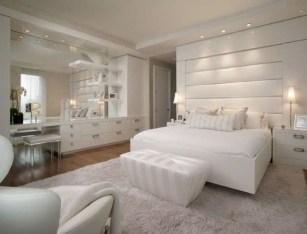Elegant White Themed Bedroom Ideas09