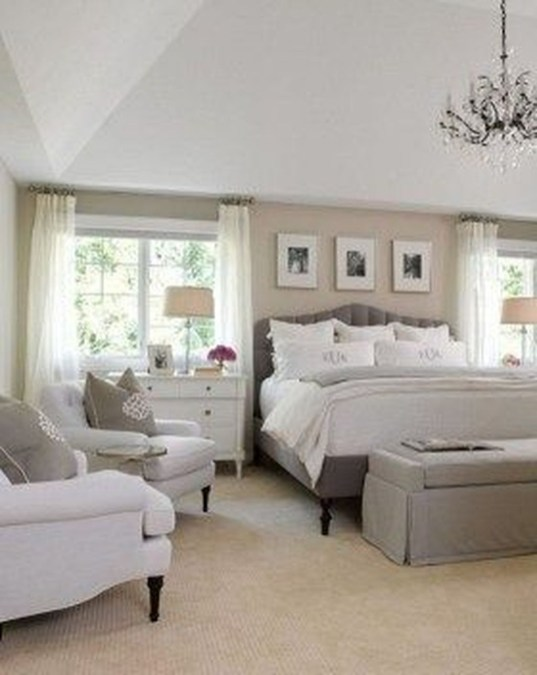 Elegant White Themed Bedroom Ideas20