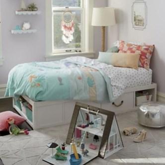 Elegant White Themed Bedroom Ideas27
