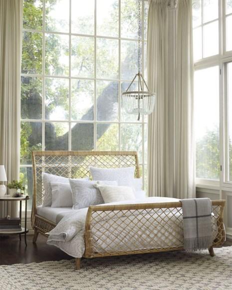 Elegant White Themed Bedroom Ideas35