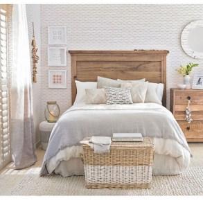 Elegant White Themed Bedroom Ideas44