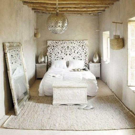 Elegant White Themed Bedroom Ideas46