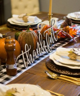 Inspiring Thanksgiving Centerpieces Table Decorations34