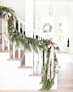 Amazing Farmhouse Winter Decoration Ideas32