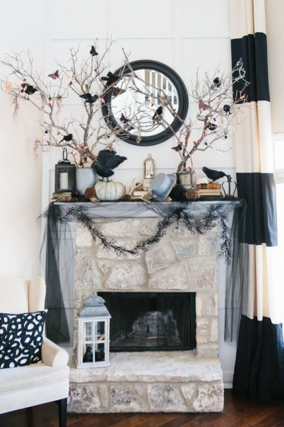 Attractive Diy Halloween Living Room Decoration Ideas34