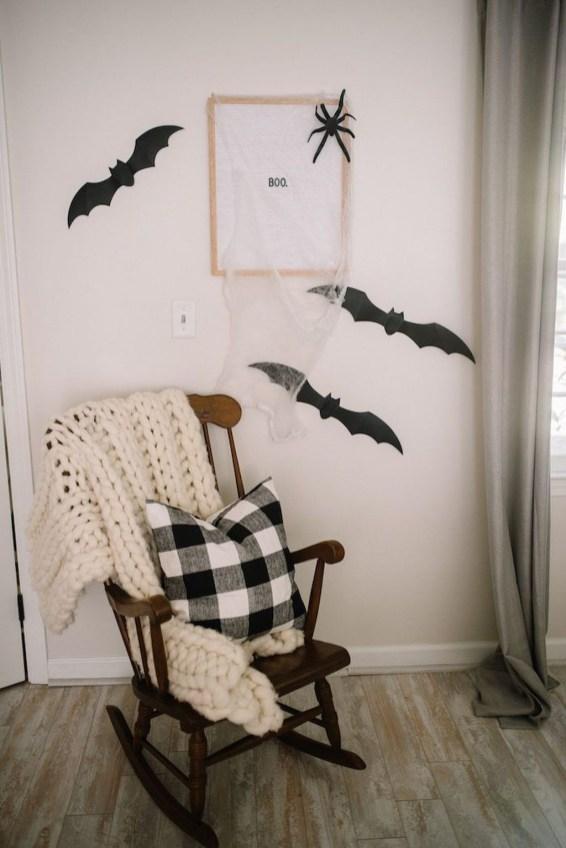 Attractive Diy Halloween Living Room Decoration Ideas35