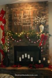 Fantastic Winter Mantle Decoration Ideas11