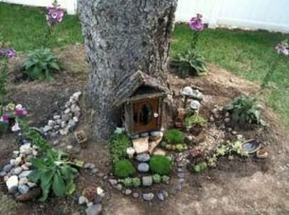Impressive Magical Mini Garden Ideas15